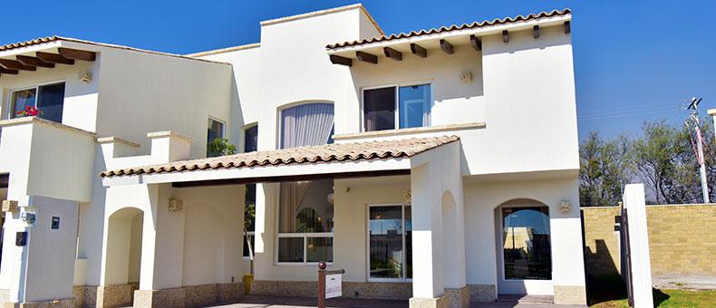 Foto de casas en venta en León, Mayorazgo Santa Elena, Modelo Cantabria, fachada.